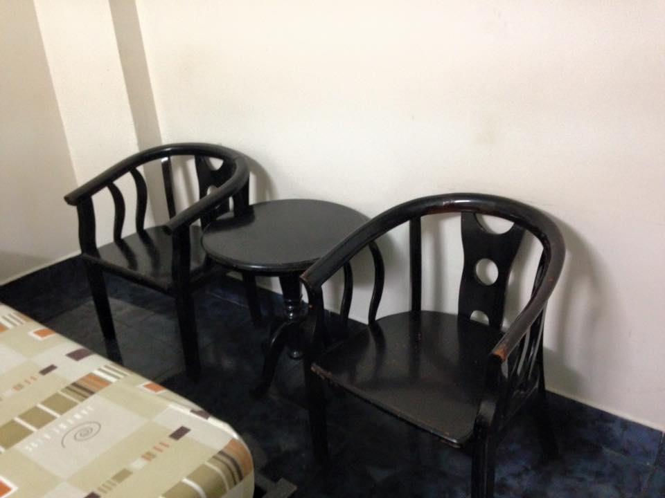 Những mẫu bàn ghế phòng ngủ khách sạn
